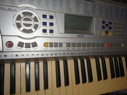 teclado KB 323