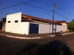 Título do anúncio: Oportunidade! Vendo casa de esquina no Centro de Iporá