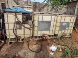 Reservatorio de diesel com bomba