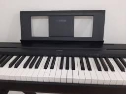 Piano digital Yamaha P45 88 teclas