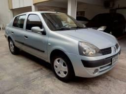 Clio Sedan Privilege 1.0 ano 2004