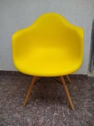 Título do anúncio: Cadeira poltrona amarela