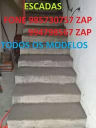 Escada em concreto e metálica