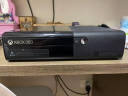 Título do anúncio: Xbox 360 Com um Controle, Kinect e o Jogo GTA 5 Original