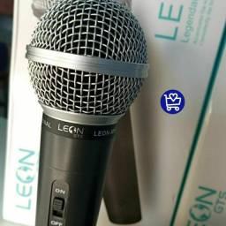 Microfone Leon, vai na caixa