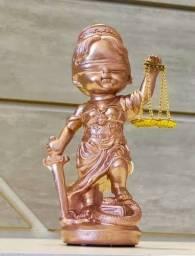 Estátua Dama Justiça Símbolo Direito Deusa Themis Rose Gold