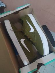 Tênis Nike SB Charge CNVS