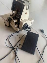Máquina de costura overloque sansei