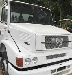 Caminhão Mercedes
