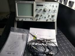 Osciloscópio Analógico com Frequencimetro