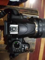 Máquina fotográfica NIKON 3100