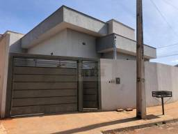 Casa com 3 dormitórios para alugar, 70 m² por R$ 1.000,00/mês - Residencial Maranata - Rio
