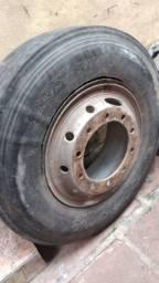 Roda com pneus e sem pneus