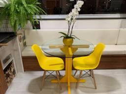 Vendo Mesa Laca Amarela Tampo de Vidro 90cm (sem cadeiras)