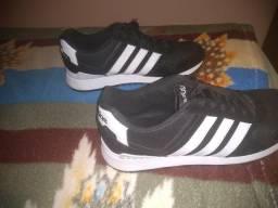 Tênis Adidas semi novo número 42