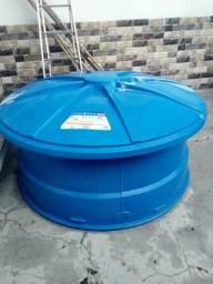 Caixa d'água 1500 litros.