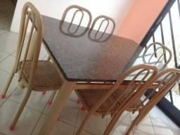 Mesa de Marmore com 6 Cadeiras