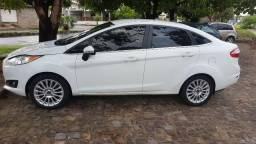 Ford Fiesta sd 1.6 16v Titanium - 2014