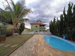 Casa moderna a venda com 4 quartos e ótima área de lazer no bairro Trevo