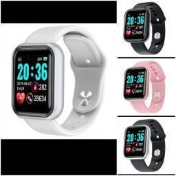 smartwatch modelo Y68D20 na embalagem original