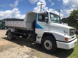 Caminhão mb1318 basculante
