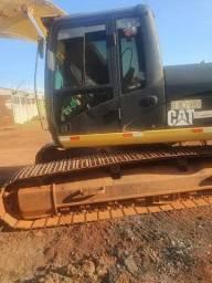 Escavadeira Caterpillar 320 C no (entr+parc)<br><br>