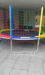 Alugo cama elastica na Trindade