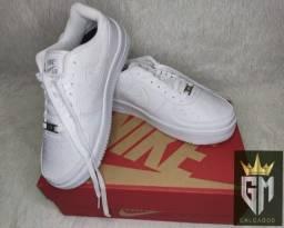 Título do anúncio: Tênis Nike Air novo