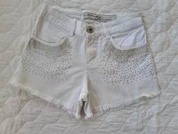 Short branco com strass