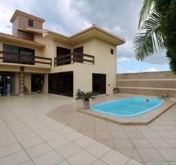 Linda casa em ótima localização em Torres