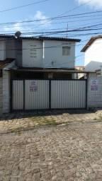 Casa para alugar com 2 quartos em Mangabeira!