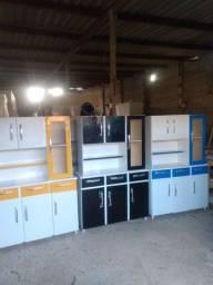 Armários de cozinha de chão, novos e de madeira!