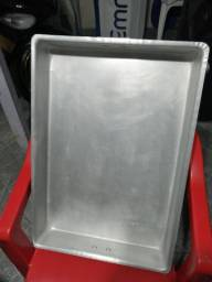 Título do anúncio: Assadeira de alumínio nova