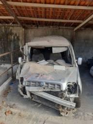 Vendo Fiat Doblo BATIDA (LER A DESCRIÇÃO)