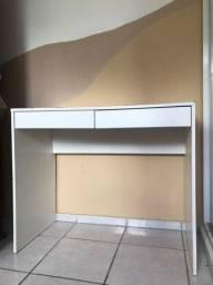 Mesa escrivaninha com duas gavetas