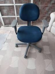 Cadeiras de escritorio com 3 regulagems com rodinhas otimo estado 150.00