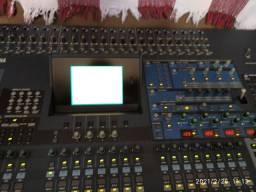Mesa de som Profissional Yamaha DM2000
