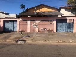 Título do anúncio: Casa para venda tem 240 metros quadrados com 3 quartos em Parque das Amendoeiras - Goiânia