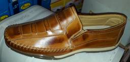Sapatilhas em couro legítimo novas