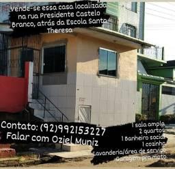 Vendo uma casa  no centro  de Tefe.