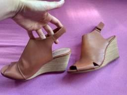 Sandália salto alto N° 37