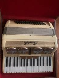 Sanfona acordeon Scandalli 80 baixos