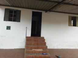 Alugo uma casa em Planaltina Goiás