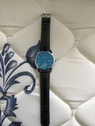 Relógio masculino (precisa trocar a pulseira)