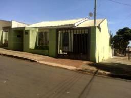 Ótima residencia bem localizada próxima lago Jaboti Apucarana