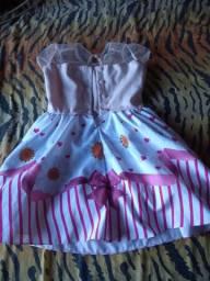 Vestidinho infantil para meninas de 4 aninhos semi novo!