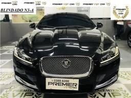 Jaguar Xf 2.0 premium luxury turbo gasolina 4p automático