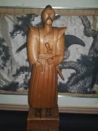 Samurai de madeira massiça