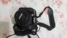 Câmera nikon d7000 + lente 50mm + flash e acessórios