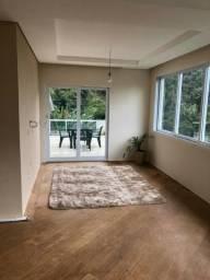 Casa com 03 suites- Cercada pela natureza exuberante- Petropolis RJ
